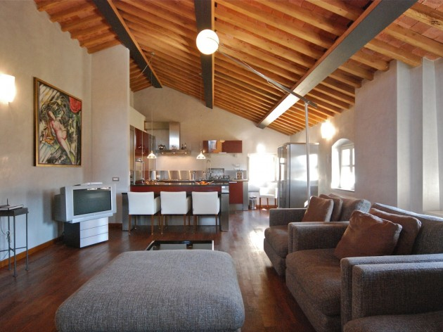Manzoni, Upscale Rental in Luccav